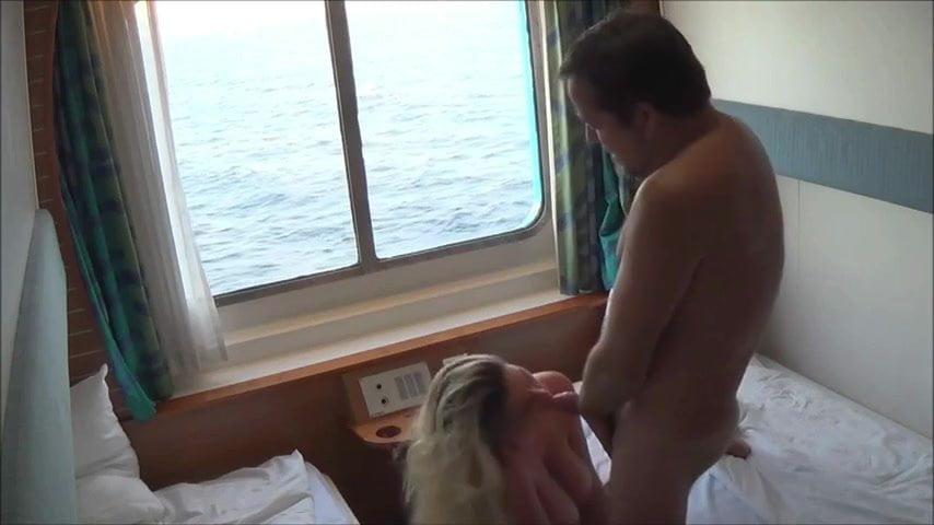 La madura se desata con todos cuando se va de crucero